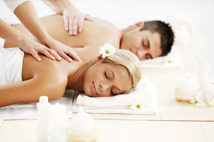 5 Mesmerizing Benefits of Having Couple Massage In a Spa